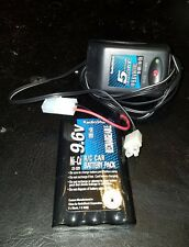 Radio Shack 9.6V Ni-MH & Ni-Cd 5-Hour Battery Pack Charger w/battery