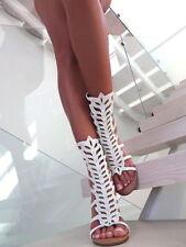 Stiefel mit sehr hohem Absatz (größer als 8 cm) in Größe 40