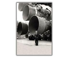 """WERNHER VON BRAUN STANDS BY ENGINES OF THE SATURN V Glossy Photo """"4 x 6"""" inch F"""