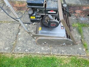 VICTA Swordsman 18 petrol lawnmower with Briggs & Stratton engine