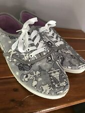 Disney Alice In Wonderland 8 Tennis Shoes Sneakers limited edition retired