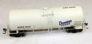 InterMountain #47807-18 19,600 Gallon Tank Car Domino Sugar #3023 1/87 HO Scale