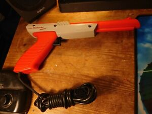 Nintendo NES Zapper Light Gun Accessory GWO