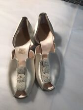 Vintage 30's White Satin slippers Old Hollywood comfy Daniel Green sz 5 Pom Poms