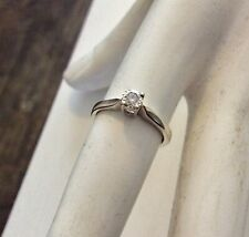 Pretty Ladies Petite Fit Solid 9 Carat White Gold Diamond Solitaire Ring  H 1/2