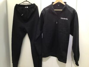Daiwa leggings and sweatshirt size large
