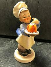 Hummel Figur Goebel 128 Hummelfigur Der kleine Konditor Junge Torte Bäcker 12 cm