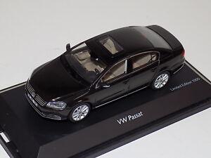 1/43 Schuco Volkswagen Passat in Mocca-Anthrazit  450743200