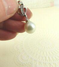 18ct Gold Diamond & Pearl Pendant Hallmarked with gift box