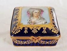 Porcelaine de Paris Jewellery Trinket box.