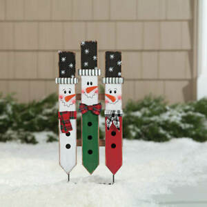 Rustic Wooden Fence Frosty The Snowmen Trio Christmas Garden Stake Decoration