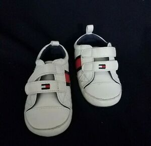 Tommy Hifiger Crib Shoes NEW Size 4C