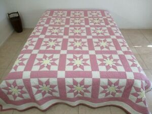 """Vintage Hand Pieced & Beautifully Quilted Cotton MISSOURI DAISY Quilt; 97"""" x 83"""""""