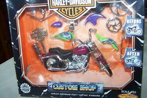 Harley Davidson Custom Shop FXST SOFTAIL Scale 1:20 Die-Cast Motorcycle Red NIB