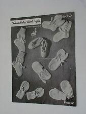 VINTAGE Knitting Pattern Robin 3 Strati Bambini Bootees, scarpe e muffole 539