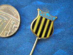 CA Peñarol  Uruguay  Primera División  /  Rare Badge
