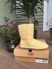 VINTAGE UGG WOMENS CLASSIC SHORT BOOTS YELLOW SIZE 5
