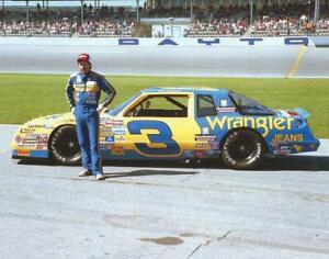BEAUTIFUL NASCAR SUPERSTAR DALE EARNHARDT 8X10 PHOTO W/BORDERS