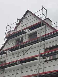 Giebelgerüst 63 qm Gerüst Typ Layher Stahlbeläge 2,57 m +Durchstieg Baugerüst