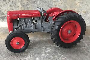 Scale Models Massey Ferguson Toy MF35 Diecast Tractor Dyersville IA Iowa