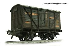 Dapol 10t BR Planked Steam Banana / Fruit vent van wagon WEATHERED LOOK