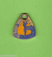#D231. SALISBURY GOLF   CLUB  MEMBER BADGE 1975 #SA87
