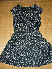 Knielange H&M Damenkleider mit Rundhals-Ausschnitt aus Viskose