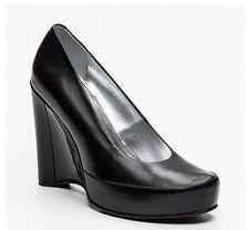 Free Lance Cuero de becerro Tribunal Zapatos con Tacones De Cuña Negro, RPR: £ 350