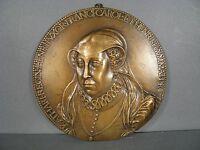 Locket Bronze Catherine of Medici / down Embossed Bronze Catherine of Medicis