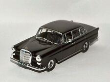 MERCEDES - BENZ  200D W110 ( 1968 ) -- 1/43 -- IXO/IST -- NEW