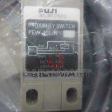 Brand New Fuji Pew-33L/N Electric Proximity Switch Plc Free Ship (Aa0)