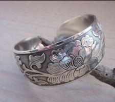 Tibetan Tibet Silver Peony Totem Carved Bangle Cuff Fashion Bracelet Jewelry