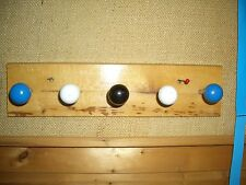 Aufhängeleiste für Kindergaderobe in Holz m.5 Knöpfen ca.L 32x B8 xDicke 1,3 cm