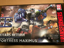 TRANSFORMERS TITANS RETURN FORTRESS MAXIMUS WITH EMISSARY & CEREBROS, NEW IN BOX