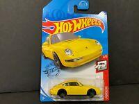 Hot Wheels Porsche 911 Carrera 96 Yellow 72/250 1/64