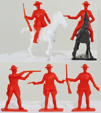 5 Dulcop Royal Canadian Mounted Police with 2 horses - 54mm plastic soldiers