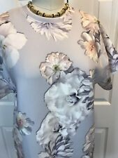 NWT FINDERS KEEPERS House Of Cards Floral Dove Gray Shift Dress Sz XS *SOLD OUT*