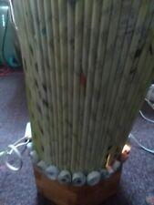 Lampe de Salon originale en papier de recyclage avec pied en bois