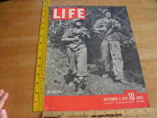 Americans hunting Japanese soldiers WWII 1943 Life Magazine ORIGINAL cover only