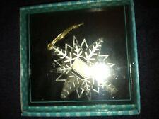 Looney Tunes, 1997, 32 Cent Stamp Bugs Bunny Pewter Snowflake Christmas Ornament