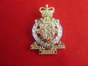ROYAL JERSEY MILITIA ROYAL ENGINEERS -  ANODISED CAP BADGE  BRITISH ARMY  A/A .