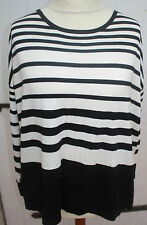 Pullover- comma  - schwarz-weiß - aparter Rücken  Gr.- 44  - Neuware