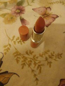 1 x New Clinique Full Size Lipstick Shade Nude Pop
