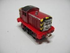 SALTY Diecast Metal Magnetic Take N Play Train Track Engine ( Thomas )