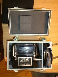 Vintage Pristine MegOMeter Test Set E-48-B Ohm Meter E-48-B handcrank 1954 probe