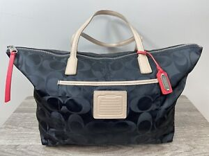 COACH WEEKENDER SIGNATURE BLACK NYLON LARGE E/W ZIP TOP TOTE 24862 GUC