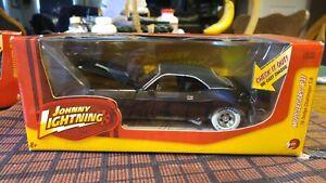 1:24 Johnny Lightning 70 Dodge Challenger T/A White Lightning FREE SHIPPING VHTF