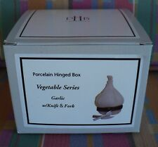 Midwest Canon Falls Porcelain Hinged Box Vegetable Series Garlic W/Knife & Fork