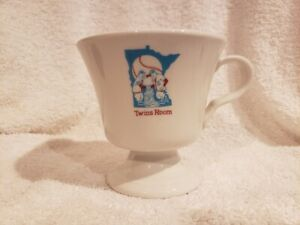 ULTRA RARE Minnesota Twins 1960's Twins Room Restaurant Coffee Mug, MINT!!