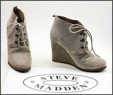 STEVE MADDEN WOMEN'S LACE-UP WEDGED HEELS FASHION SUEDE ANKLE BOOTS SIZE 8.5 M